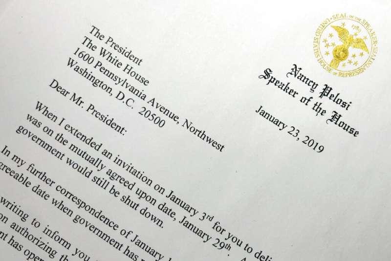 2019年1月23日,裴洛西致函給川普,堅稱不讓川普29日於眾議院舉行國情咨文演說。(AP)