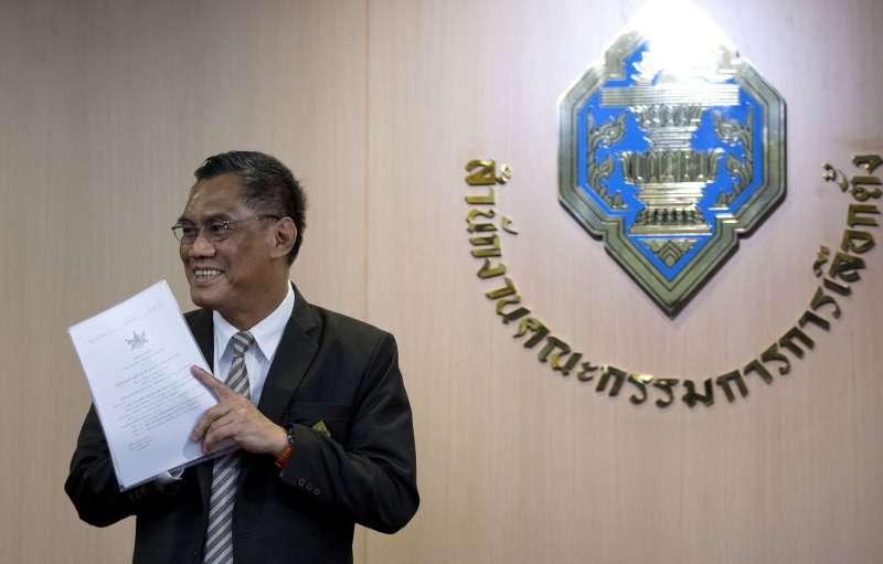 泰國選舉委員會主席伊席蓬(美聯社)