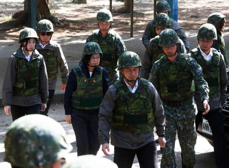 20190129-總統蔡英文29日上午接續走訪中部地區單位部隊視導行程。(蘇仲泓攝)