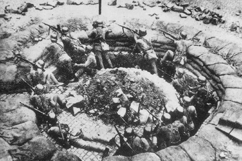 松滬會戰(圖/維基百科)抗日