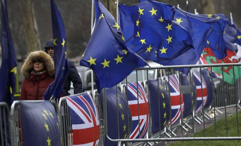 英國落入「無協議脫歐」亂局的可能性大增。(美聯社)