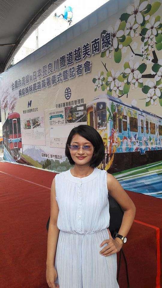 蘇凌曾擔任過「台日鐵道簽約記者會」上的口譯人員。她表示:「口譯考驗反應能力,必須馬上決勝負。」(圖/蘇凌提供)
