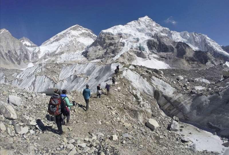 喜馬拉雅山區冰川逐漸消失(AP)