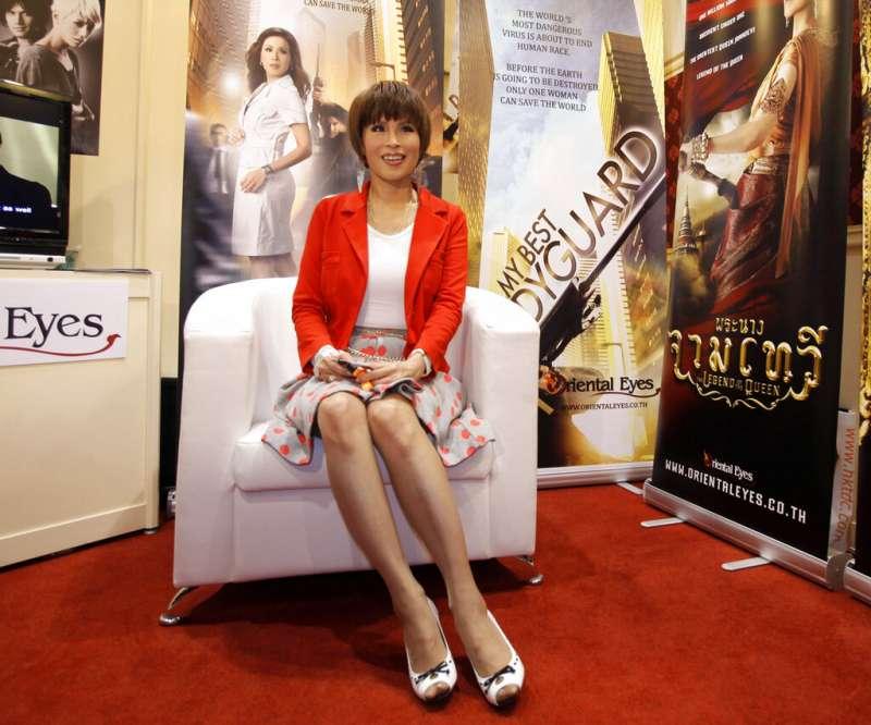 2010年,泰國烏汶叻公主宣傳泰國電影。(AP)