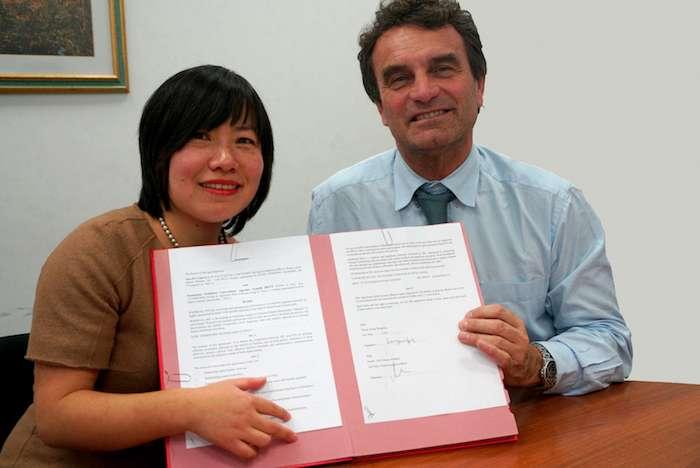傑美利大學醫院基金會與中歐之橋簽署Healthland Italy合作協議。(曾廣儀攝)