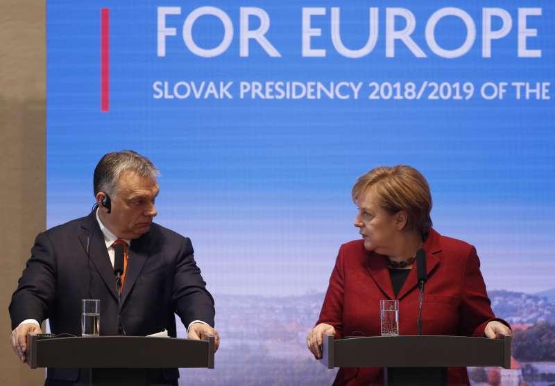 奧爾班強烈反移民,任內加強管控媒體、司法,被視為歐洲極右民粹主義的標竿人物。(AP)