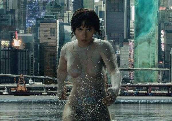 真人版電影《攻殼機動隊》中身體全都被機器化的女主角,由黑寡婦史嘉蕾喬韓森飾演。 (圖/智慧機器人網)