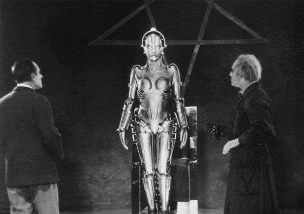 此角色,為邪惡機器人的早期版本,在片中充分呈現了了機器人由程式設計與自由意志之間兩者互相牴觸的矛盾與衝突。  (圖/智慧機器人網)