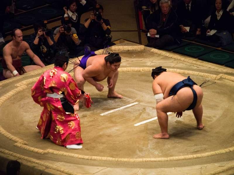 江戶時代的力士已與武士一樣,同樣擁有佩刀的權利,顯見地位的不凡。(圖/@flickr)