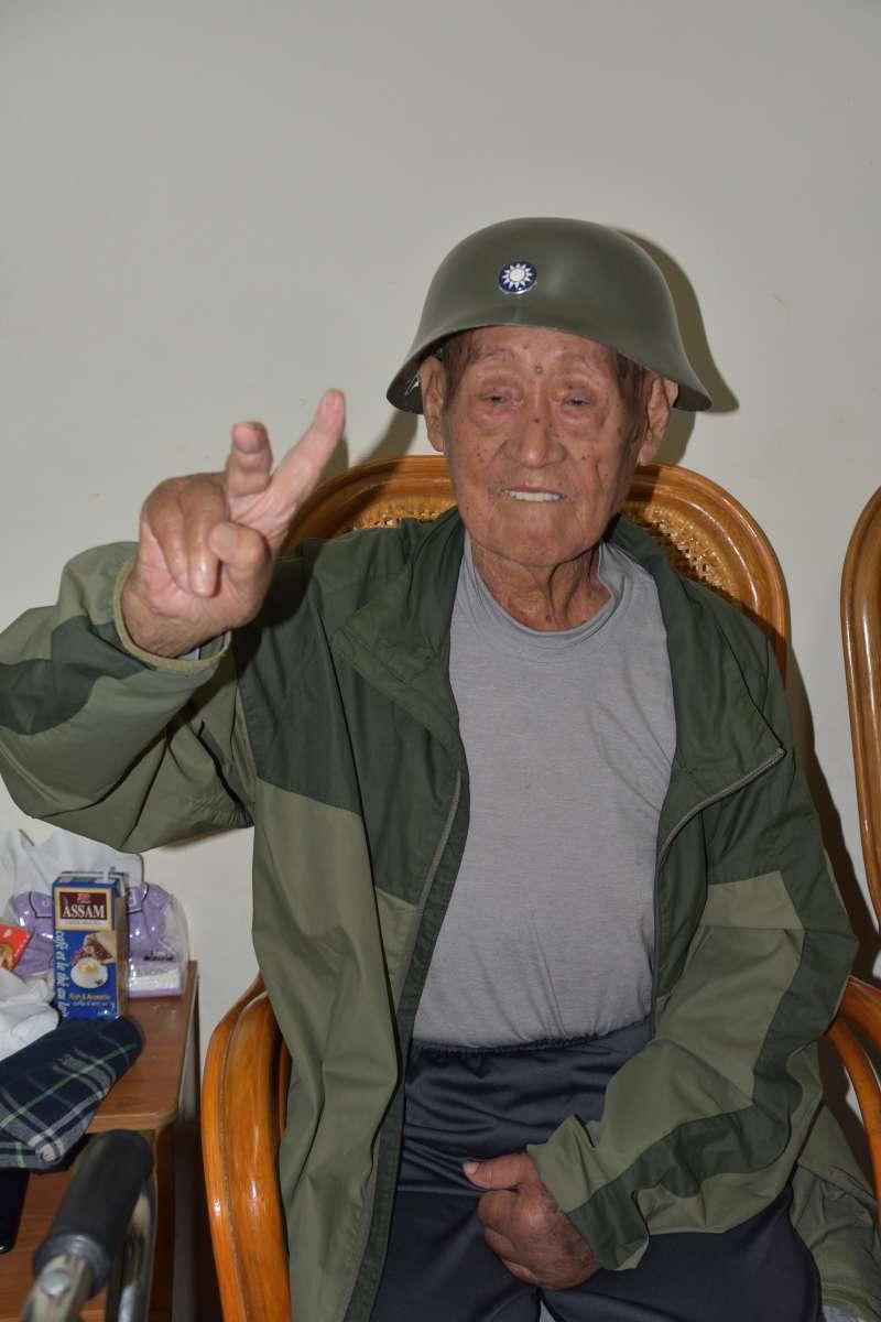 ssaa--aa-現居台中的王耀武老先生,是戰時中泰關係的第一手見證人,他所服務的93師戰後還負責接受寮國的日軍投降,改寫了整個戰後東南亞的歷史。(作者提供)