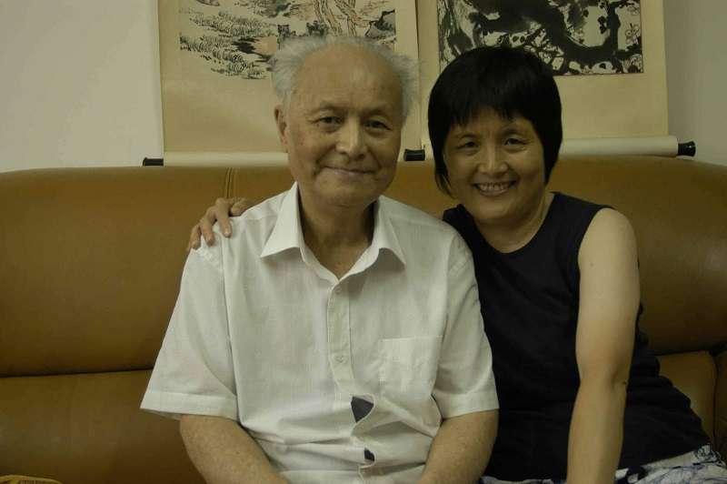 李銳與女兒李南央。