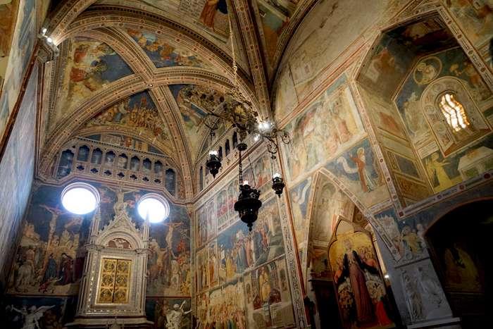奧爾維耶拖主教座堂的九褶布小堂。(曾廣儀攝)
