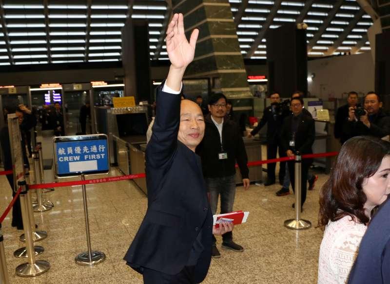 20190224-高雄市長韓國瑜今(24)日展開4天星馬行,出發前受訪,他強調會為高雄的農、漁產品找通路及訂單。(高雄市政府提供)