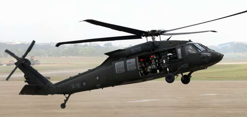 圖為陸航UH-60M型黑鷹直升機。(蘇仲泓攝)
