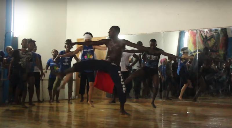 拉米謝爾2012年創立「拯救生命之舞」(截自Youtube)