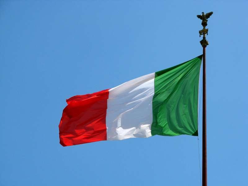 飄揚的義大利國旗。(ShinyPhotoScotland@Flickr/CC BY 2.0)