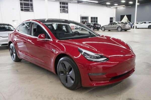 基本款Model3將不會隨本次漲價調整價格。 (圖/shutterstock,數位時代提供)