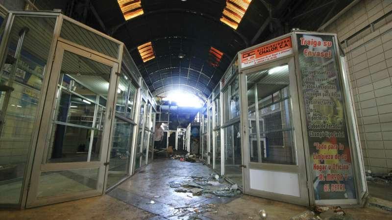 委內瑞拉危機:全國大停電,商店遭洗劫(AP)