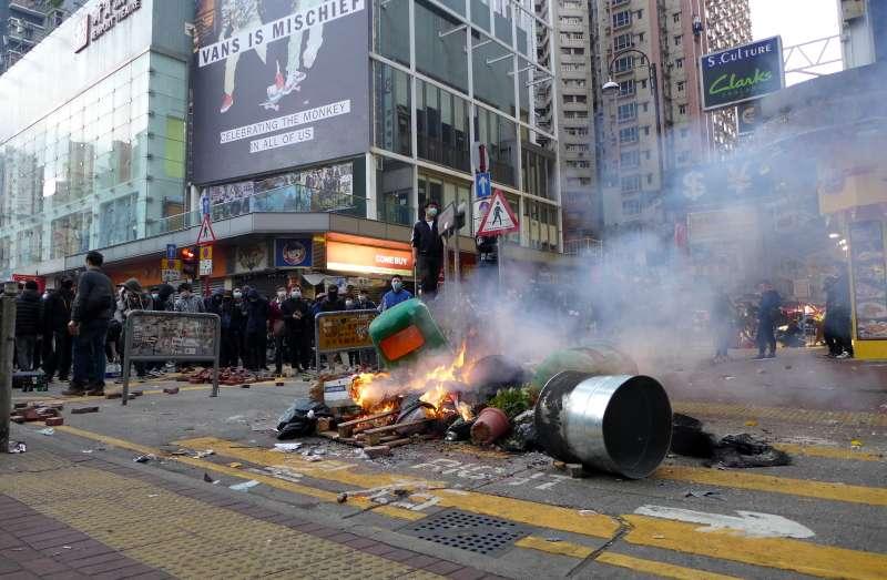 2016年農曆新年期間,香港爆發了旺角騷亂。(圖/維基百科)
