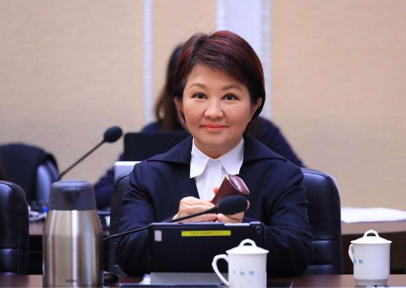 台中市長盧秀燕參加行政院會再度要求中火四號機儘早除役,不要再浪費經費改善。(圖/臺中市政府提供)