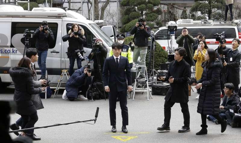 2019年3月14日,南韓天團「Big Bang」前成員勝利以嫌疑人身分到案接受調查。