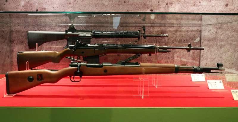 20190315-陸軍步兵特展今天登場,展場展出步兵建軍史上具有代表性的幾把步槍模型。(蘇仲泓攝)
