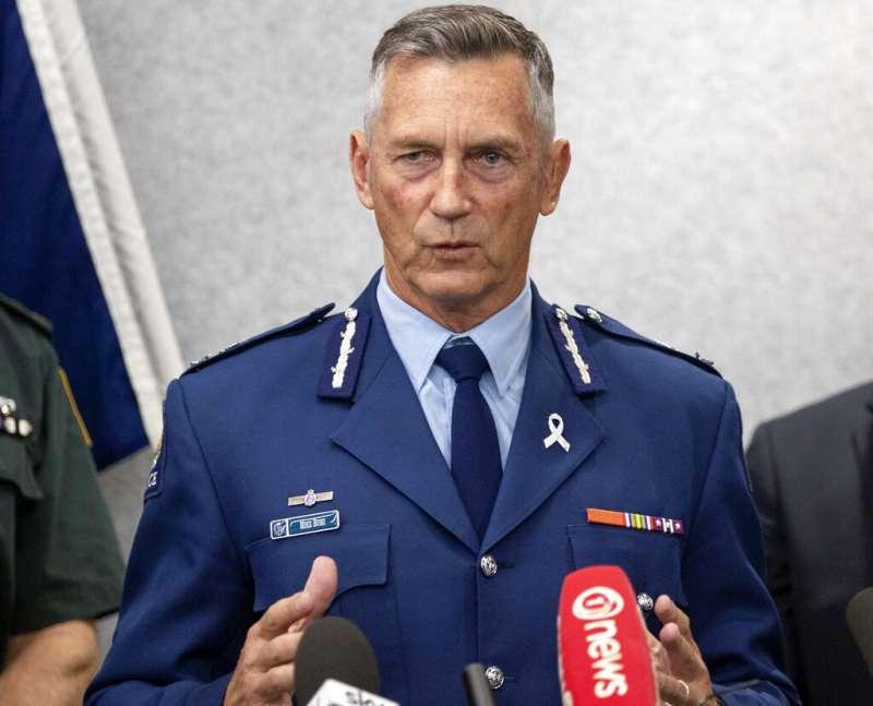 紐西蘭警政署長布希(Mike Bush)在記者會上對媒體強調「這樣殘忍的影片不該公諸於眾」。(美聯社)