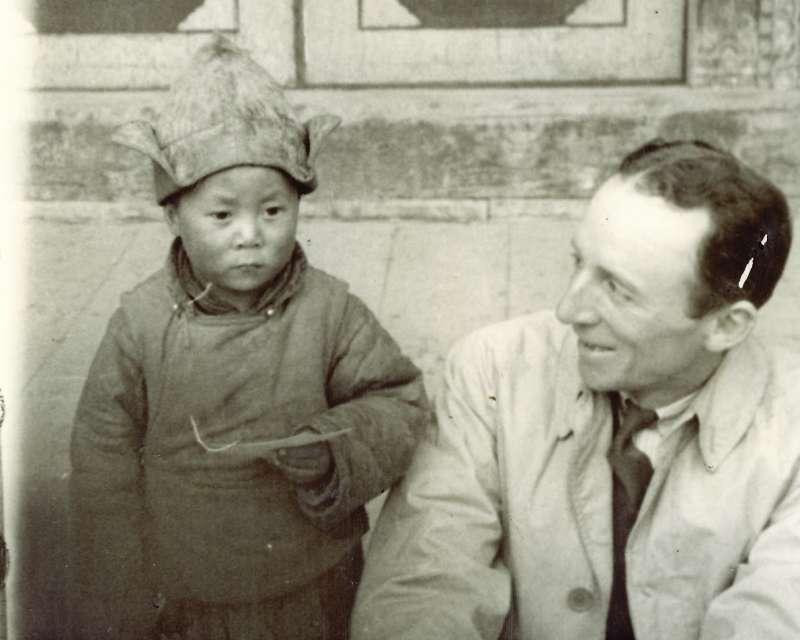 幼年的達賴喇嘛(維基百科公有領域)