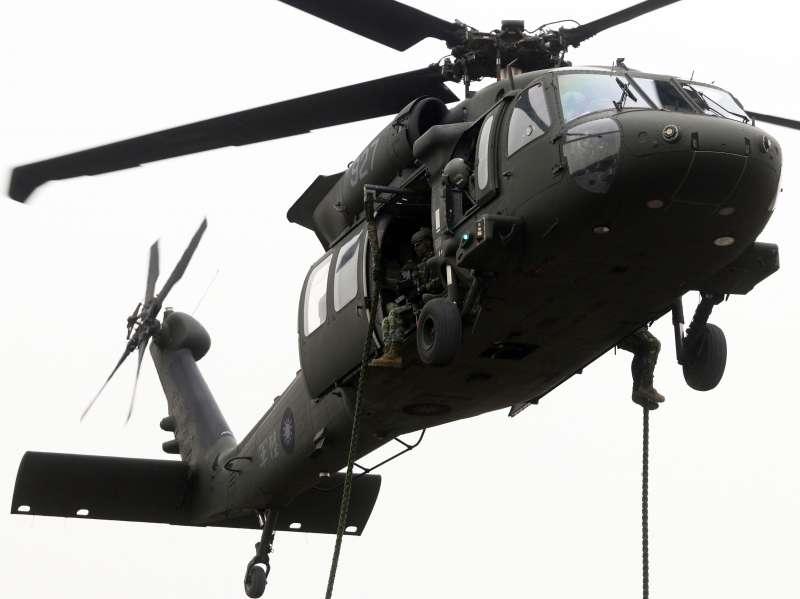 20190320-黑鷹直升機繩降。(蘇仲泓攝)