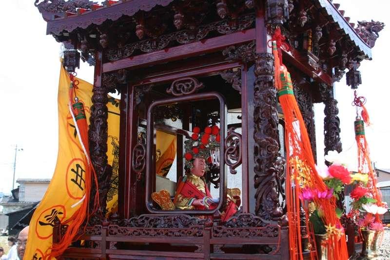 日本.青森.大間稻荷神社/天妃神拜殿(圖/維基百科|風傳媒合成)