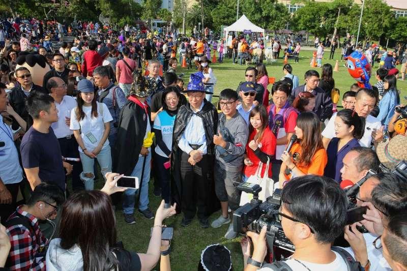 台北市長柯文哲在年輕人中的支持度領先其他政治人物。(台北市政府提供).jpg
