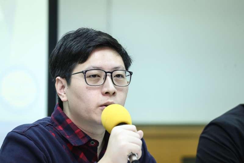 20190326-綠黨「誰能打敗韓國瑜!?」2020總統選情探討與民調發布記者會,綠黨桃園市議員王浩宇。(陳品佑攝)