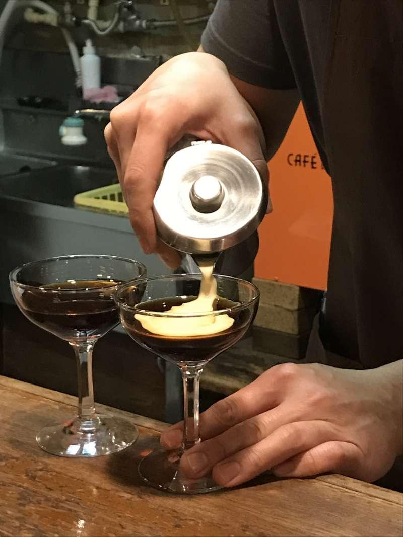 20190326-琥珀女王是Café de L'ambre裡的招牌飲品。(李清志攝)