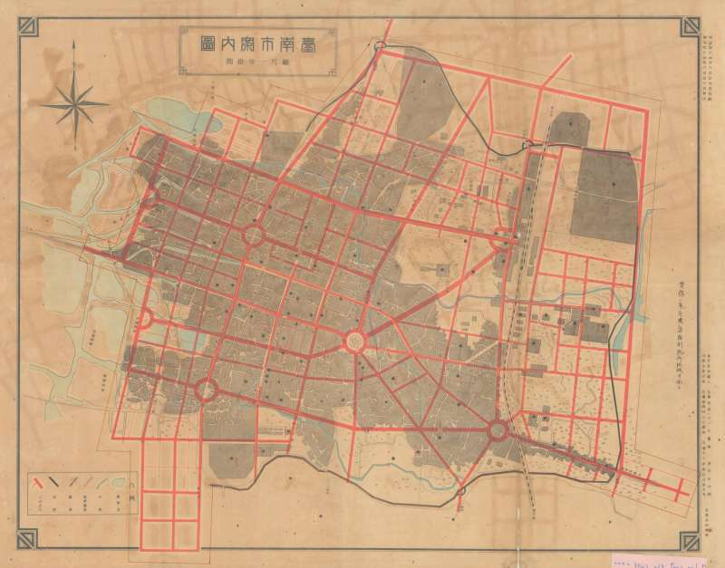 紅線是市區改正後的道路,臺南舊城區與城外變得四通八達。 (圖/國史館臺灣文獻館,研之有物提供)