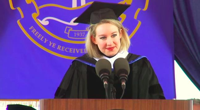 伊麗莎白在佩柏戴恩大學演講。(圖/愛范兒提供)