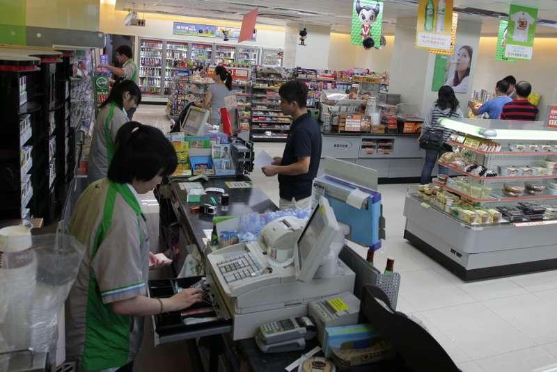 全家觀察發現,一般門市業績較複合店平均低上2到3成。(新新聞資料照)