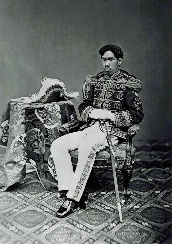 日本明治天皇(維基百科.公有領域)