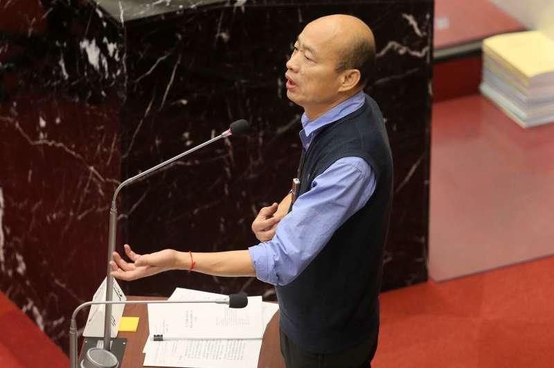 20190402-高雄市長韓國瑜接受議員質詢關於青年政策及社會住宅等問題,韓國瑜表示,高雄市府預計在10月1日正式掛牌成立青年局,而社會住宅也將在下個月動工。(高雄市政府提供)