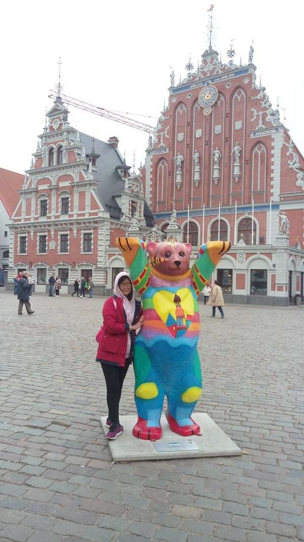 拉脫維亞建國百年首次亮相的里加熊(圖/作者提供)