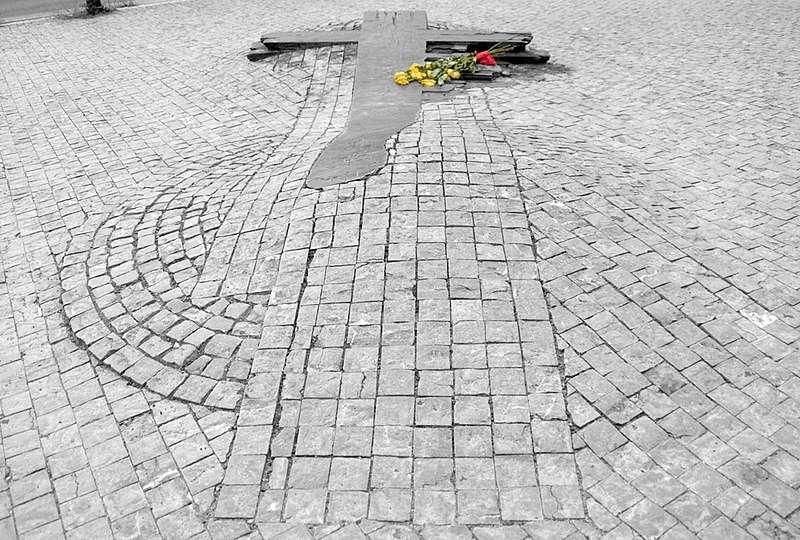 捷克布拉格溫塞斯拉斯廣場的帕拉赫紀念碑(Roger Veringmeier@Wikipedia/ CC BY-SA 4.0)