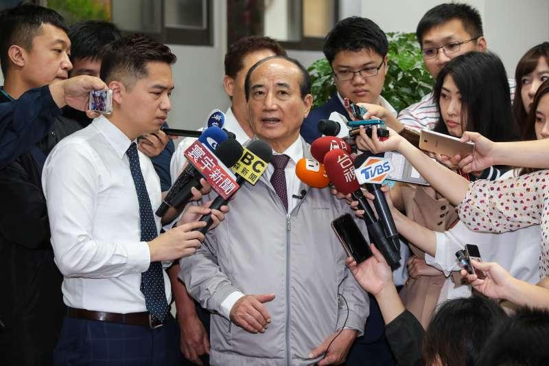 20190408-前立法院長王金平8日於鎮江會館接受媒體聯訪。(顏麟宇攝)
