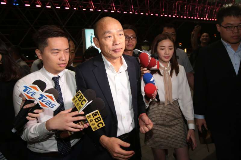 20190409-高雄市長韓國瑜9日晚間出發前往美國參訪。(顏麟宇攝)