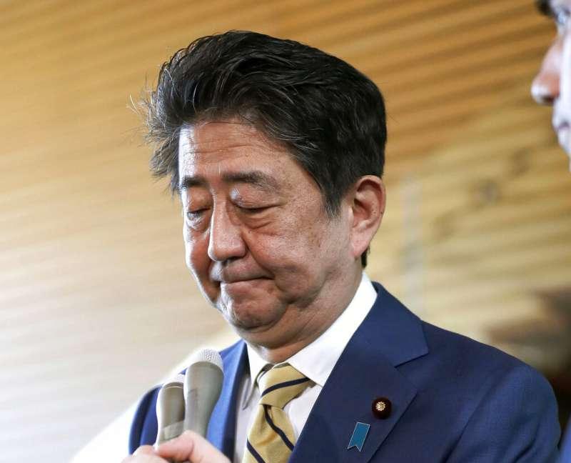 2019年4月11日,由於日本前奧運大臣失言稱「眾議員比311災後重建重要」,日本首相安倍晉三向災區民眾致歉。(AP)