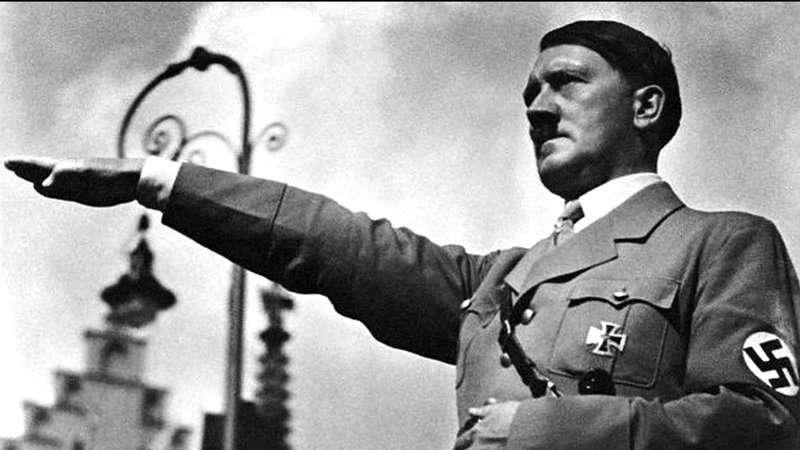 在希特勒的某些追隨者看來,他是一個英雄,一個失敗的救世主;但在其他人眼中,他是個瘋子,在政治上和軍事上是個蠢才,是個不可救藥的殺人犯。(圖/取自維基百科)