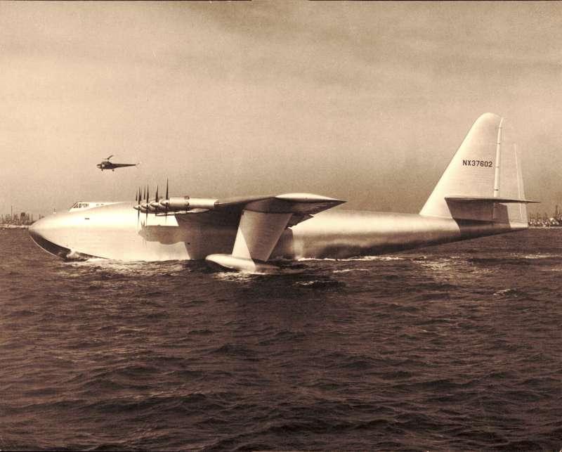 素有「雲杉之鵝(Spruce Goose)」之稱的休斯H-4大力神水上飛機。(維基百科公有領域)