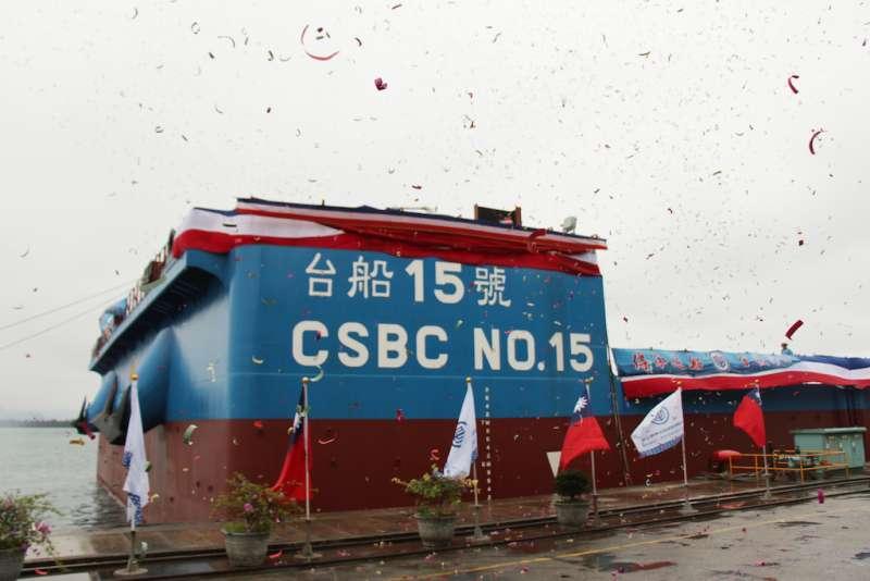 駁船為台灣第一艘大型風電工作船,預計將在6月即加入營運。(圖/徐炳文攝)