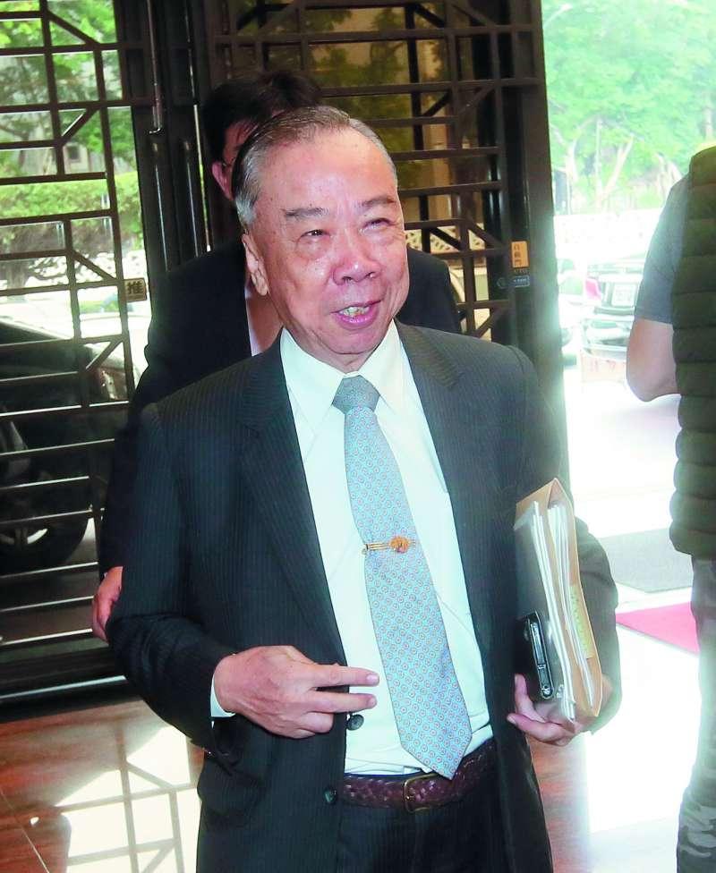 王添盛在檢審會強調,調查報告沒認定邱太三有沒有請託關說。(柯承惠攝)