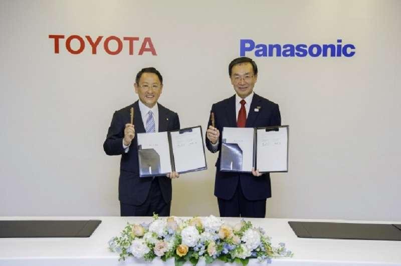 Toyota與Panasonic簽約成立JV ,由後者提供電動車電池。