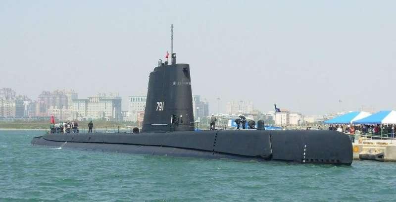 20190418-2016年在高雄新濱碼頭開放參觀時的「海獅」號(SS-791)潛艇。(賈忠偉提供)
