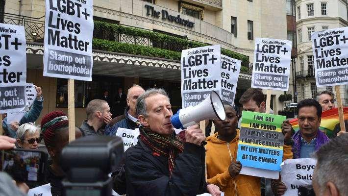 汶萊允許合法虐殺同性戀者,引發各國民眾強烈抗議(AP)